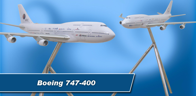 3 Foot Long Boeing 747-400